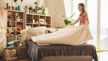 4 วิธีทำความสะอาดห้องนอนที่ไม่แนะนำ