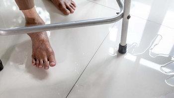 วิธีแก้ปัญหาพื้นห้องน้ำลื่น ลดเสี่ยงอุบัติเหตุที่คาดไม่ถึง