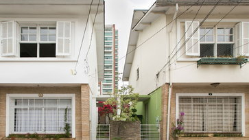 รีโนเวททาวน์เฮาส์เก่า เป็นบ้านสวยชิคๆ ทันสมัย