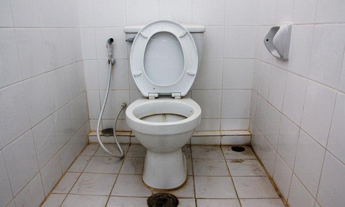 8 พฤติกรรมที่ทำให้ห้องน้ำสกปรก