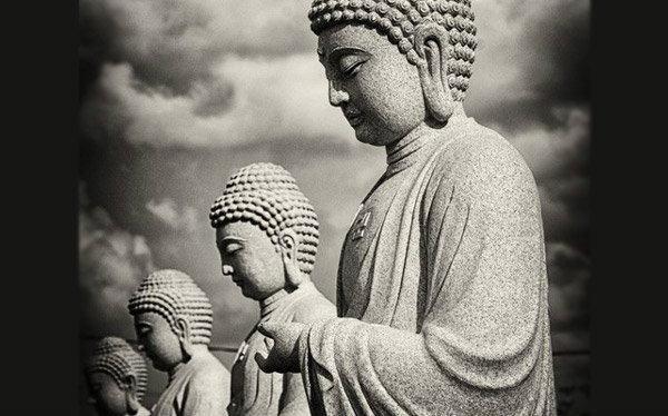 วันอาสาฬหบูชา วันสำคัญทางพระพุทธศาสนาของไทย