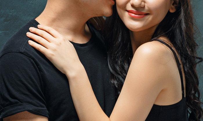 """ทำนายความสัมพันธ์ระหว่างคุณและคนรักจาก """"เสื้อผ้า"""""""