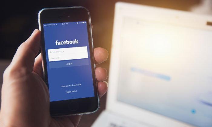 """ความทรงจำแย่ ๆ """"วันนี้เมื่อปีก่อน"""" ใน Facebook ของคุณคืออะไร"""
