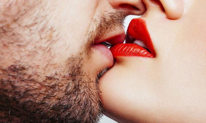 รีวิวจูบเร้าใจ ราศีใดจูบเก่งที่สุดใน 12 ราศี
