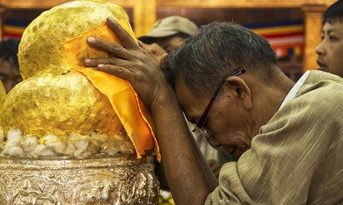 คำอธิษฐานเวลาปิดทองพระ