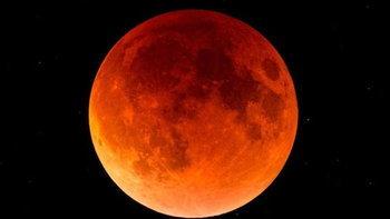 """""""พระจันทร์สีเลือด"""" ส่งผลต่อชะตา 2 ราศี ลางร้ายที่น่าสะพรึง"""