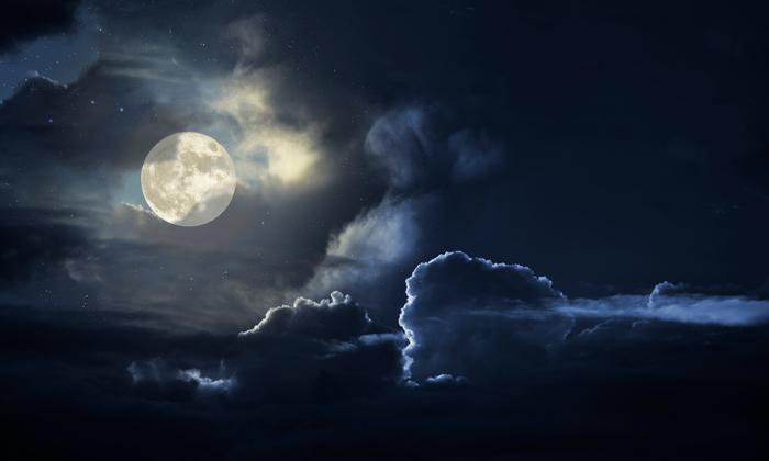 16 เมษายน 2561 วันขอเงินพระจันทร์ เรียกทรัพย์ เรียกโชคลาภ 1 เดือนมีครั้งเดียว