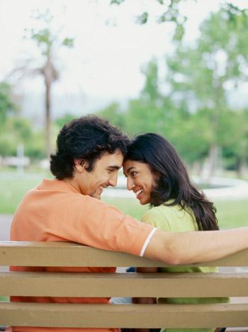 แบบทดสอบ : รักจริงหรือรักหลอก