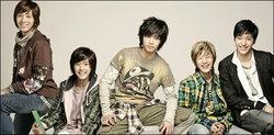 FT Island 5 หนุ่มจากเกาหลี กับคอนเสิร์ตเต็มรูปแบบในไทย