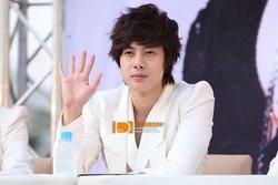 ลือหึ่ง คิมฮยอนจุง แห่ง SS501 เซ็นสัญญากับ BOF ฝ่ายบริษัทที่เกี่ยวข้องเผย ไม่จริง!