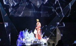 จี-ดราก้อน ครีเอเวทีแสงสีเสียงจัดหนัก!