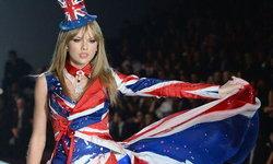 นึกว่านางฟ้า! เทย์เลอร์ สวิฟท์ สวยใสสะกดใจบนเวที Victoria's Secret