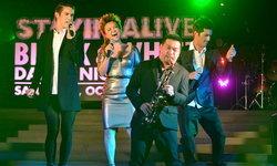 เลิฟ เรดิโอ ชวนร่วมปาร์ตี้แสบซ่าสุดอลังการ Stayin'Alive
