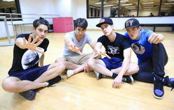 Exclusive! บุกห้องซ้อม 4 พระเอกฮอตจัดเต็ม Give Me 5 : Concert Rate A