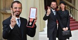 Ringo Starr มือกลอง The Beatles เข้ารับพระราชทานยศอัศวินจากเจ้าชายวิลเลี่ยม