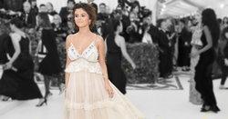 แฟนคลับ Selena Gomez ผุด #WeAreSorrySelena หลังชาวเน็ตรุมด่าลุคงาน Met Gala