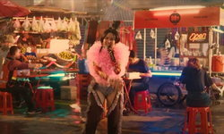 "MILLI โชว์เพลงปังกลางตลาดในเทศกาลดนตรีระดับโลก ""Double Happiness"" (คลิป)"