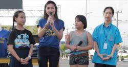 ต่าย อรทัย เซอร์ไพรส์กลางตลาด! ช่วยนักเรียนหญิงร้องเพลงหาเงินช่วยเพื่อน
