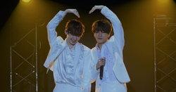 """""""ซังกยุน-เคนตะ"""" เปลี่ยนเวทีคอนเสิร์ตเป็นบ้าน ชวนแฟนคลับปาร์ตี้อบอุ่น"""