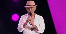 """ย้อนฟังผลงาน """"เท็ดดี้ The Voice Senior"""" นักร้องนำวงดนตรีวัย 82 ปีผู้ทำให้โค้ชทึ่ง!"""