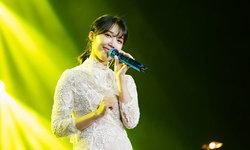 """""""จองอึนจี"""" สาวสวยจาก APINK โชว์เสียงหวานในโชว์เดี่ยวครั้งแรกในไทย"""