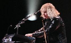 """""""โควิด-19"""" เล่นงาน """"David Bryan"""" มือคีย์บอร์ด Bon Jovi ยันอาการดีขึ้นแล้ว"""