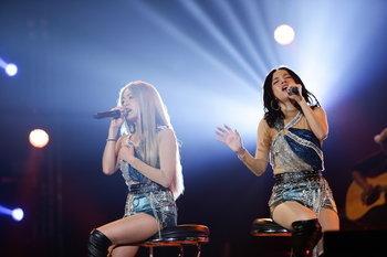 """""""นิว-จิ๋ว"""" และ """"Triumphs Kingdom"""" แท็กทีมความสนุกใน Hall of Fan: Sunday Evening Concert"""
