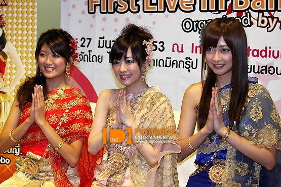 3 สาว Berryz Kobo สวมชุดไทยสุดงาม เอาใจแฟนไทย