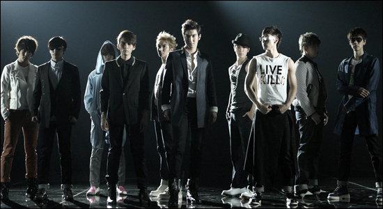 เปลือยหัวใจ ซูเปอร์จูเนียร์ ( Super Junior ) ความสำเร็จบนคราบน้ำตา