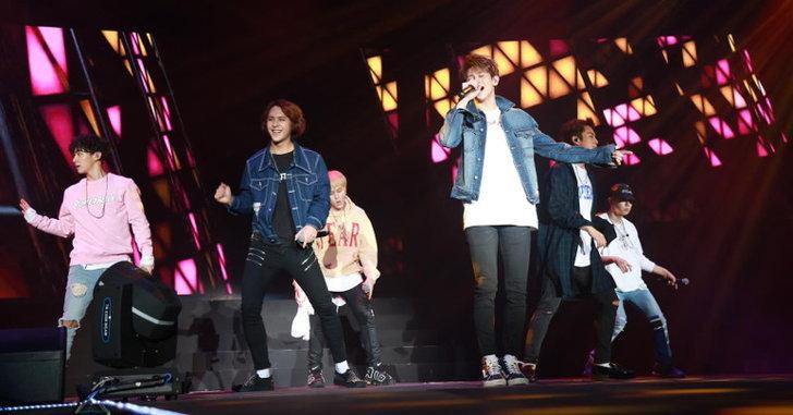 """ย้อนภาพความทรงจำจากคอนเสิร์ตสุดพิเศษ """"Beast Ordinary Show in Bangkok"""""""