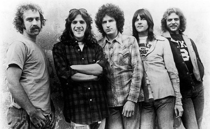 The Eagles ประกาศยุบวงอย่างเป็นทางการ หลัง Glenn Frey เสียชีวิต