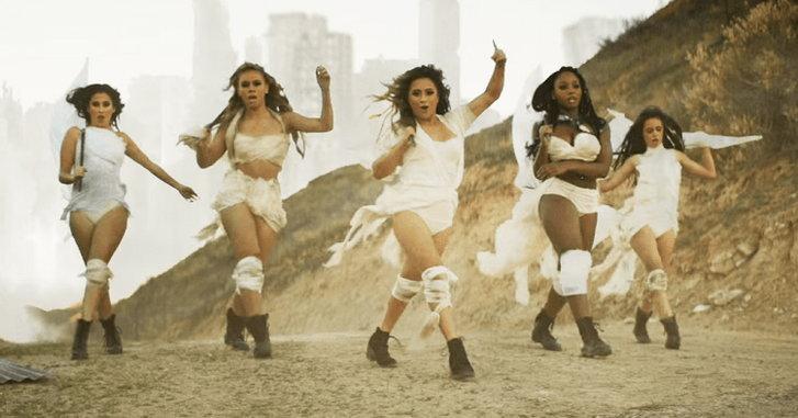 """อย่างปัง! Fifth Harmony ในเอ็มวี """"That's My Girl"""" สไตล์ Mad Max"""