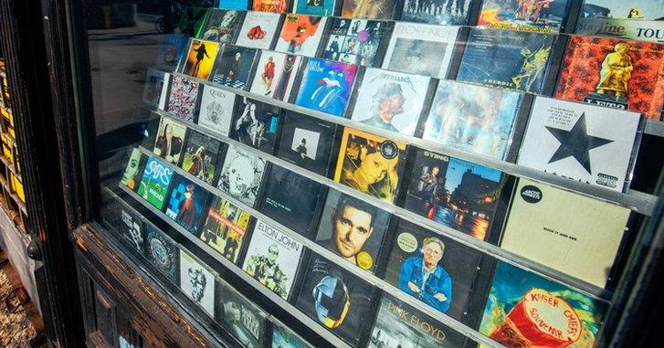 อนาคตตลาดคนฟังเพลงสากลบ้านเราจะเป็นอย่างไร โดย อนุสรณ์ สถิรรัตน์