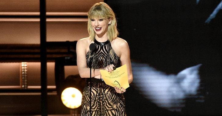Taylor Swift ได้เข้าชิงรางวัลบนเวทีเพลงคันทรี่ในรอบ 3 ปี