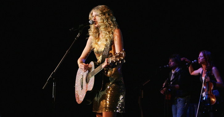 taylor-swift-fearless-tour