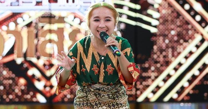 """อูเปีย อีซิล เจ้าของเพลง """"ต๊ะ ตุน ตวง"""" เปิดตัวในไทย เข้าร่วมรายการ """"กิ๊กดู๋"""""""