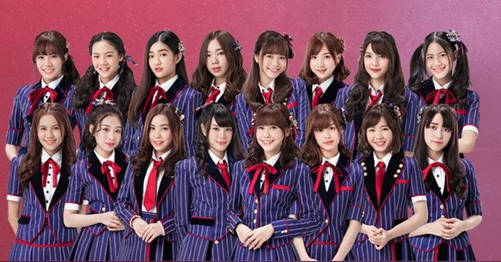 """BNK48 - นักฟุตบอลทีมชาติไทย ถ่ายทอดจิตวิญญาณนักสู้ ในเอ็มวีหนังสั้น """"วันแรก (Shonichi)"""""""