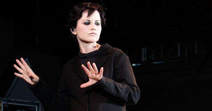 บทสรุปการเสียชีวิต Dolores O'Riordan นักร้องนำวง The Cranberries มาจากการจมน้ำ