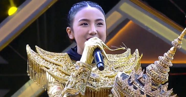 """""""ปิ่น พรชนก"""" น้ำตาไหลกลางเวที! หลังร้องเพลงสานฝันคุณพ่อใน """"The Mask Line Thai"""""""