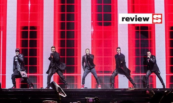"Backstreet Boys โชว์เก๋าบอยแบนด์ยุค 90s' ว่าความ ""คลาสสิก"" ต่างหากที่เจ๋งจริง"
