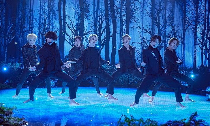 """BTS แสดงสดเพลงใหม่ """"Black Swan"""" ครั้งแรกในรายการ James Corden"""
