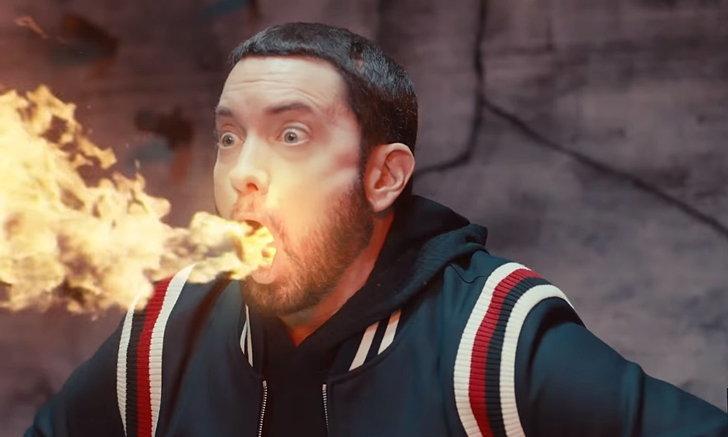 """Eminem"" พ่นไฟในเอ็มวีเพลงใหม่ ""Godzilla"" แถมเซอร์ไพรส์จาก ""Mike Tyson"""