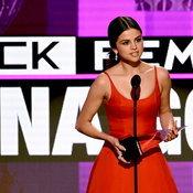 Selena Gomez at American Music Awards 2016
