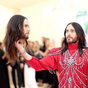 ๋Jared Leto ในชุดของ Gucci