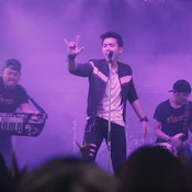 MV สื่อรักออนไลน์ - เบิ้ล ปทุมราช อาร์สยาม