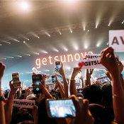 """12 ปีที่รอคอย! """"getsunova"""" ปลดปล่อยชั้นบรรยากาศสุดเท่ในคอนเสิร์ตเต็มรูปแบบครั้งแรกในชีวิต"""