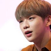 คังแดเนียล (Kang Daniel)
