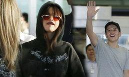 """กรี๊ดลั่นสนามบิน!! แฟนไทยแห่รับ """"เซเลน่า"""" และ """"ไจ เวทฟอร์ด"""""""