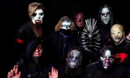 """""""Slipknot"""" เผยโฉมหน้ากากล่าสุดในเพลงใหม่ """"Unsainted"""" แถมเผารูปปั้นหนึ่งในสมาชิก!"""