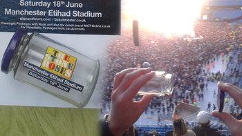 กระปุกใส่อากาศในคอนเสิร์ต The Stone Roses ถูกประมูลด้วยราคา 3.4 ล้านบาท!